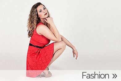 Junge Frau in Kleid als Galerieteaser für Fashion-Fotografie