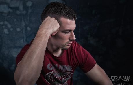 Portrait eines Mannes in nachdenklicher Pose (Portrait)