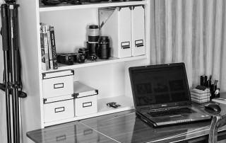 Zusätzlicher Arbeitsplatz für Bildbearbeitung und Retusche im Fotostudio