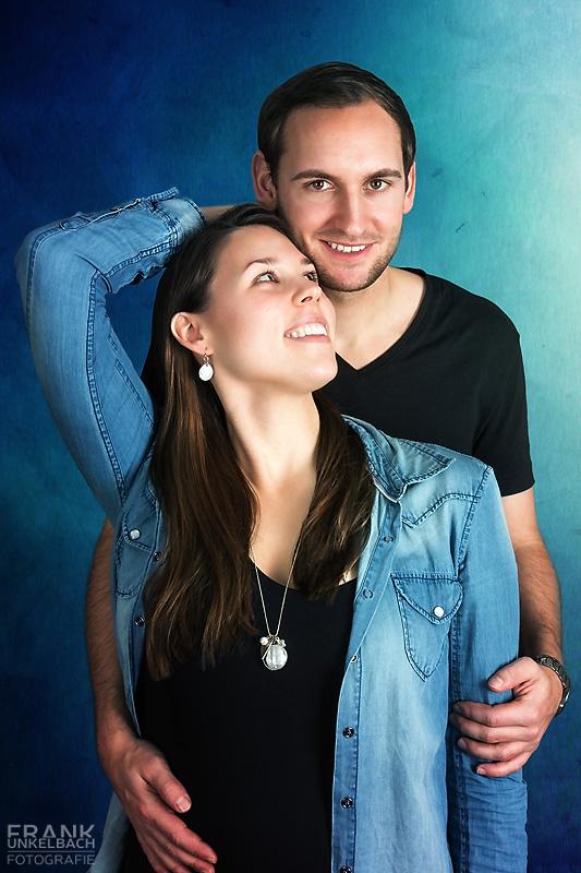 Junges Paar Frau in Jeanshemd (People)