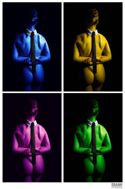 Collage einer nackten Frau mit Kragen und Krawatte im Stil von Andy Warhol (Akt)