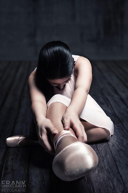 Extrem weitwinklige Perspektive einer Ballerina (People)